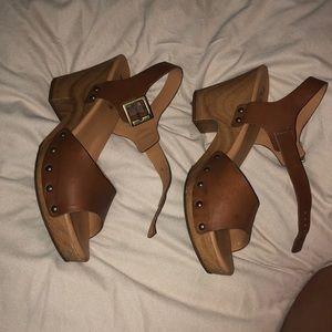 Korks Heeled Sandals